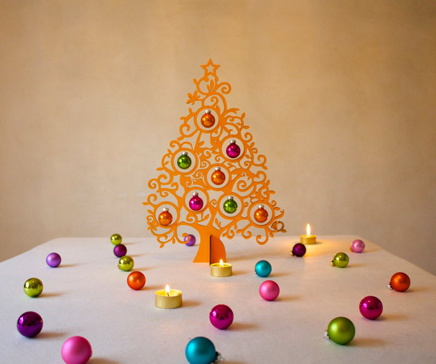 21-table-size-christmas-trees-to-set-the-holiday-mood-4.jpg