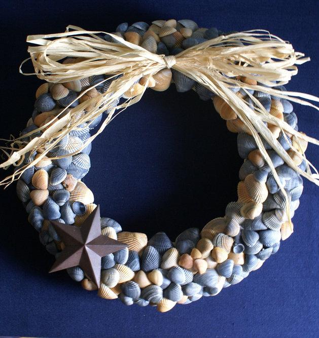 21 wreaths 2014 1 thumb autox667 48669 21 Creative Non Traditional Christmas Wreaths