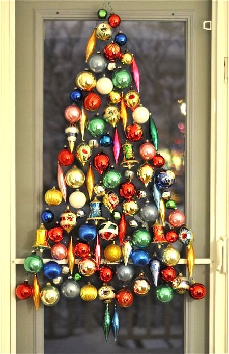 classic-ornaments-wall-christmas-tree.jpg