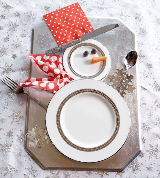 colorful christmas tabletop decor ideas 1 Colorful Christmas Tabletop Decor Ideas: white, red, purple and teal