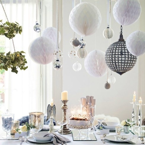 View In Gallery Colorful Christmas Tabletop Decor Ideas 10