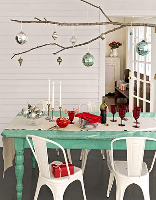 View In Gallery Colorful Christmas Tabletop Decor Ideas 13 Jpg