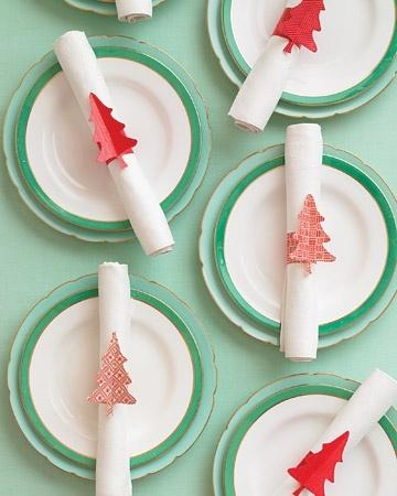 colorful-christmas-tabletop-decor-ideas-15.jpg