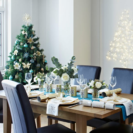 Colorful Christmas Tabletop Decor Ideas