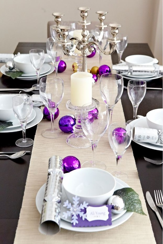 View In Gallery Colorful Christmas Tabletop Decor Ideas 22 Jpg