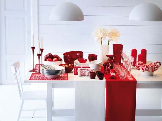 View In Gallery Colorful Christmas Tabletop Decor Ideas 3