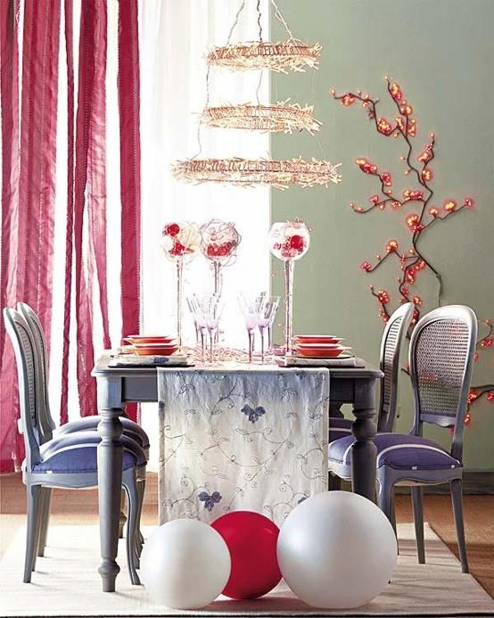colorful-christmas-tabletop-decor-ideas-4.jpg