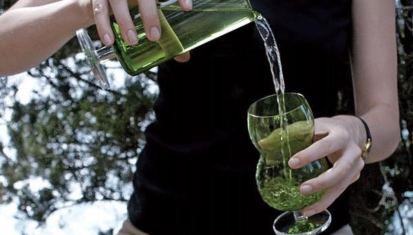 green-drinkware-glasses-ilio-glass-forest-4.jpg