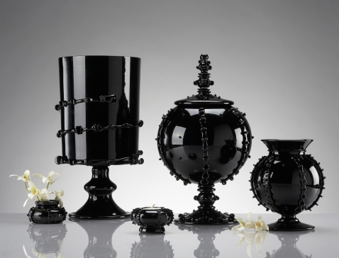 juliska black glass tableware 6 Black Glass Tableware & Centerpieces   gorgeous, glamorous collection by Juliska!