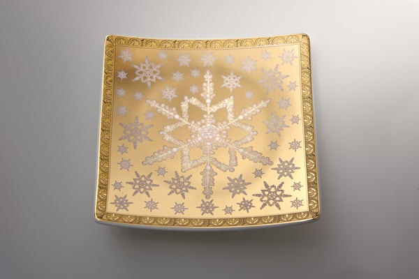 versace-christmas-2010-tableware-ornaments-collection-6.jpg