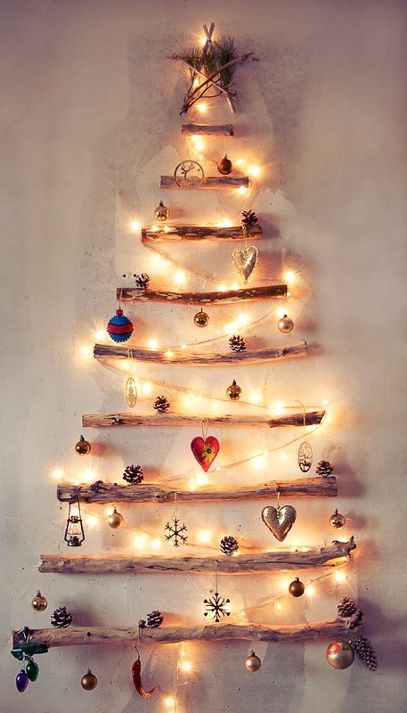 wall-christmas-tree-ideas-8.jpg