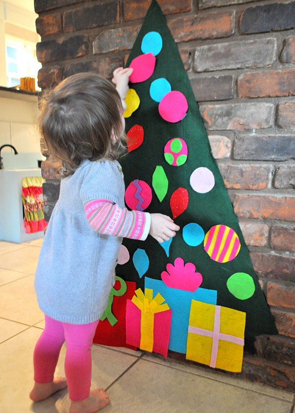 wall-play-felt-christmas-tree-and-ornaments.jpg