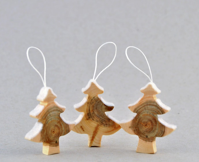 Wooden christmas decorations made from juniper tree for Home decorations to make