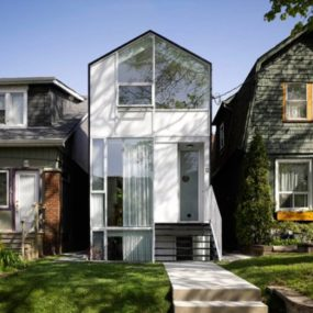 A Contemporary Castle Among the Common – Cool Home in Toronto, Canada