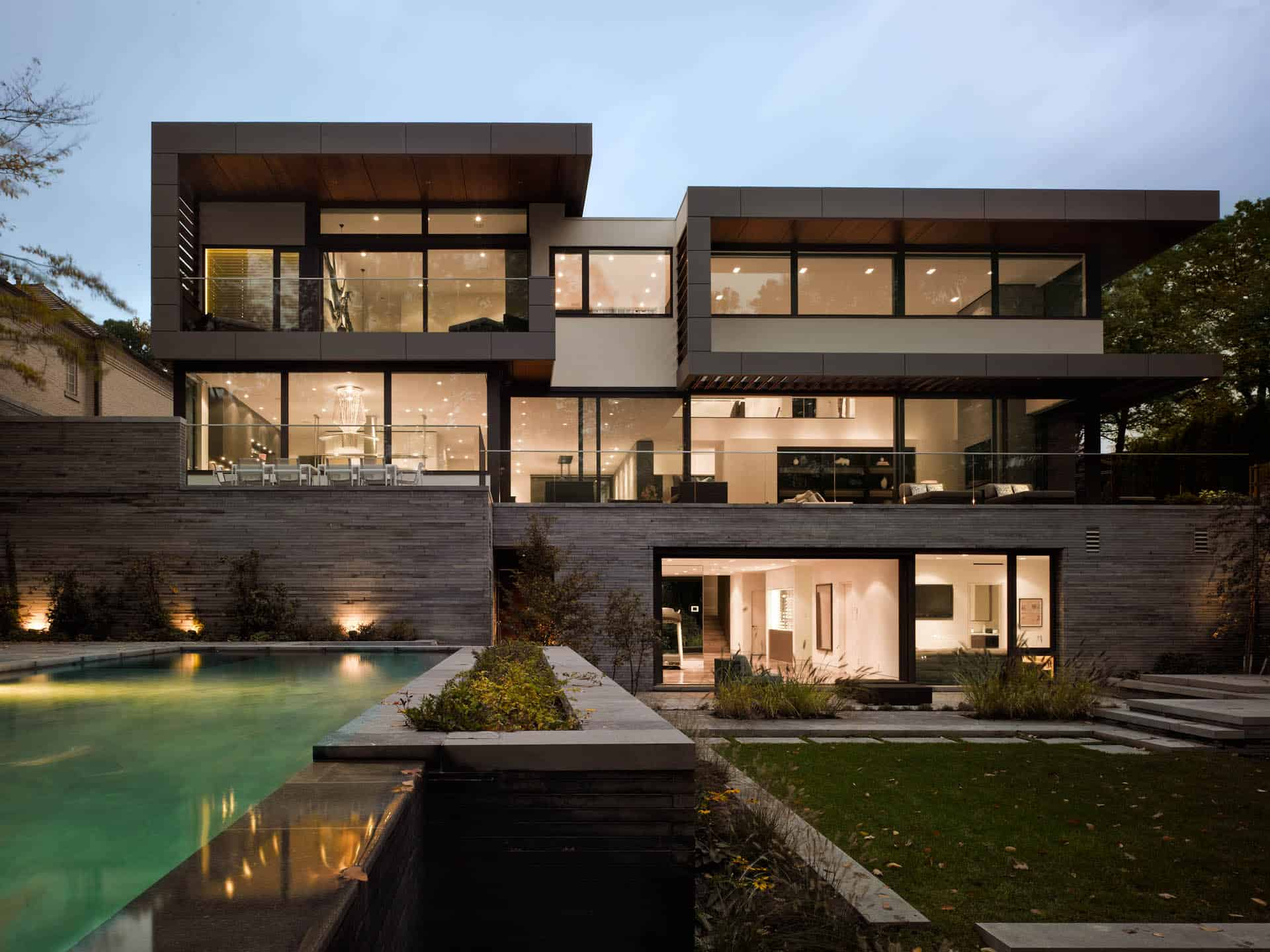 stunning toronto home with an arty staircase and a comfy office - Modern Home Building