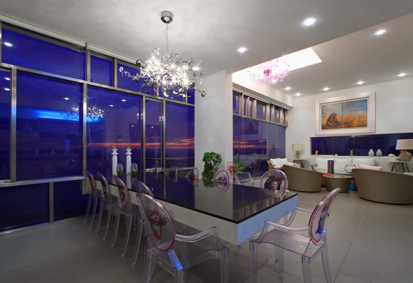Alvarez Beach House in Peru is a Visual Masterpiece