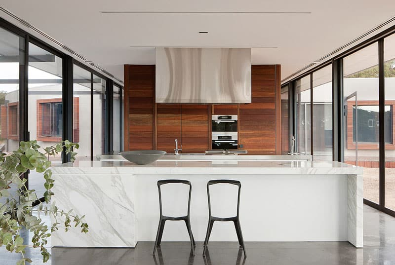 View In Gallery Rachcoff Vella Architecture Warms Up Modern Homes Australia