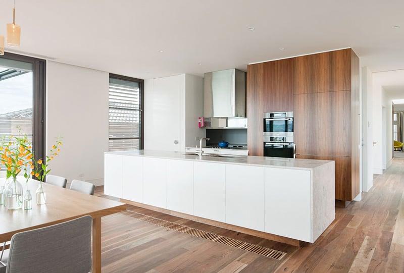 Rachcoff Vella Architecture Warms Up Modern Homes in Australia ...