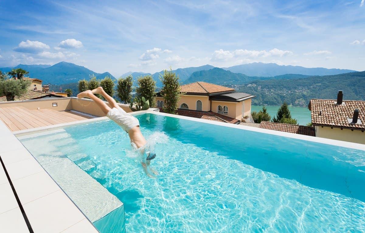 Minimalist Mountain Top Home Designed Around Panoramic Lake Views