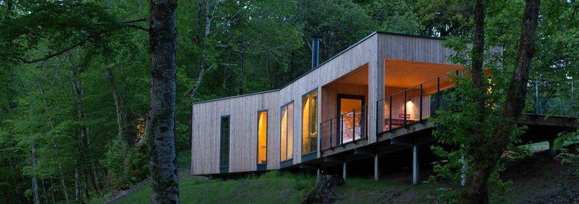 Small vacation cabin on stilts - Casas de madera en galicia ...