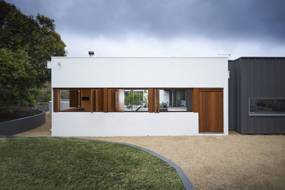View In Gallery Summer House Expansion Creates Private Courtyard 8 Exterior.
