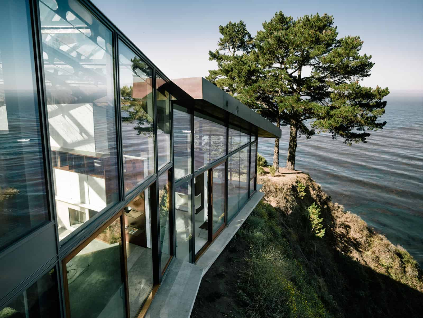 3-Level House on Desolate Bluff Overlooking Ocean