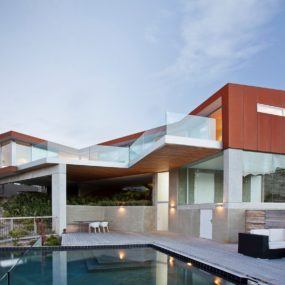 2-Level Home with Pool Protrudes from Cliff