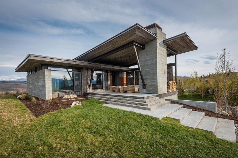 Home on the range full of modern imagination for Haus rustikal modern
