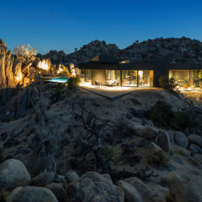 Modern Desert Home with Courtyard – Pool and Views