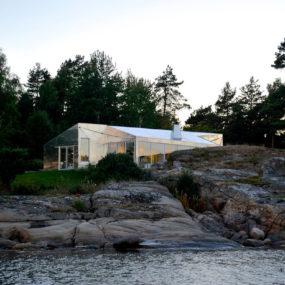 Aluminum Cabin by Arkitekter MNAL