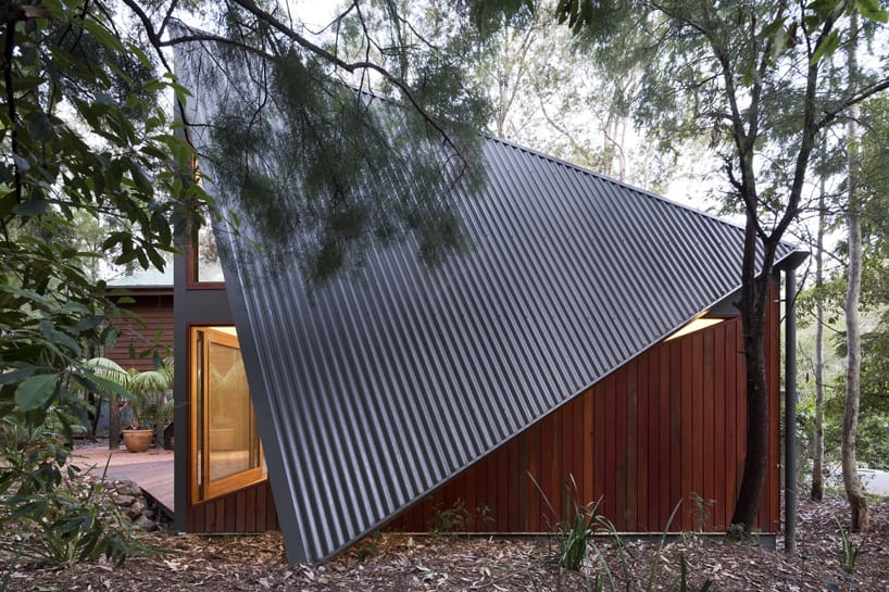 View In Gallery Beach House Expansion Triangular Roofline 3 Roofline