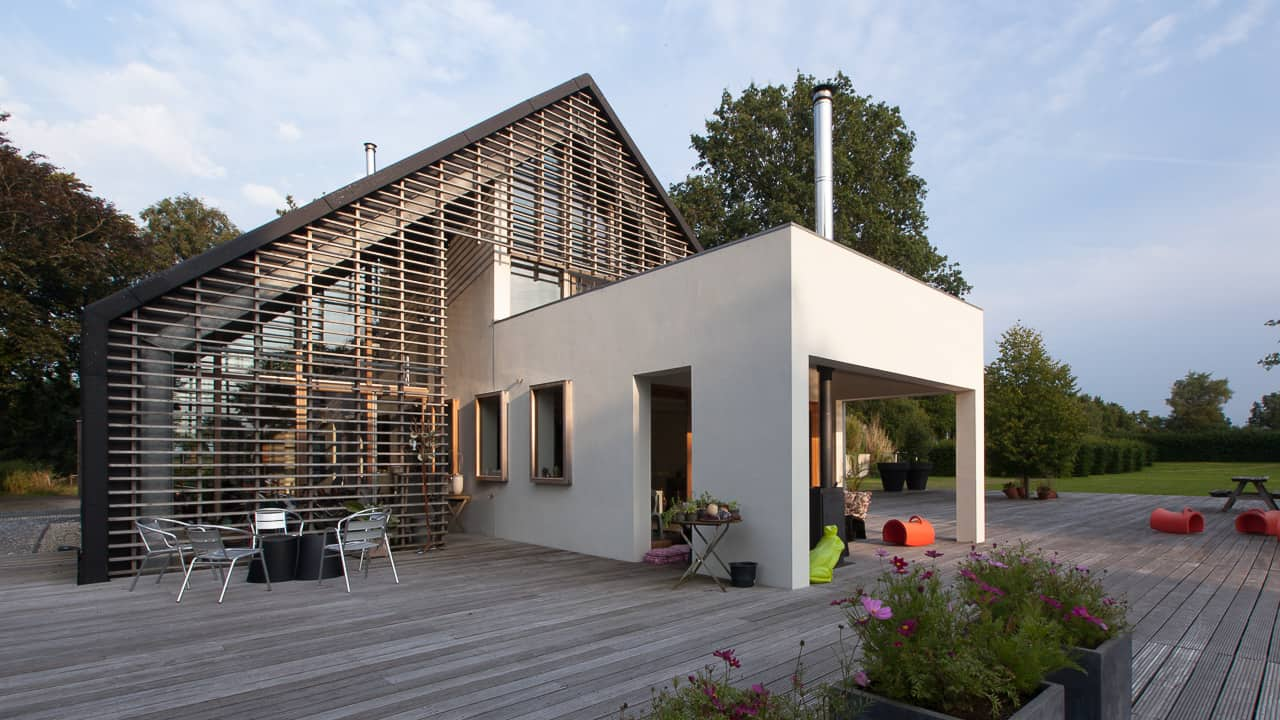 Contemporary reinterpretation of a classic barn in holland for Barn home builders