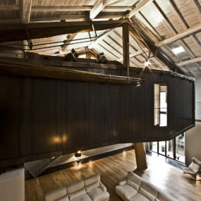 Spectacular Loft in Reconverted Barn in Rome