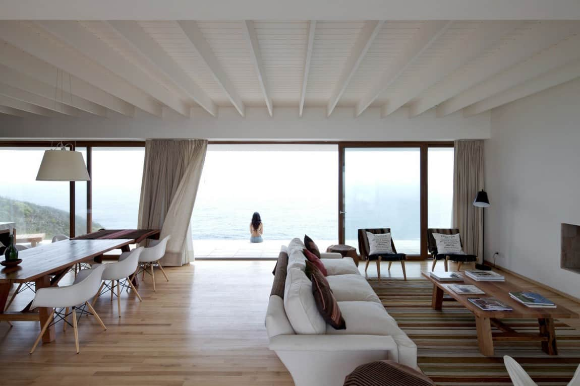 Contemporary Clifftop House with Spectacular Views
