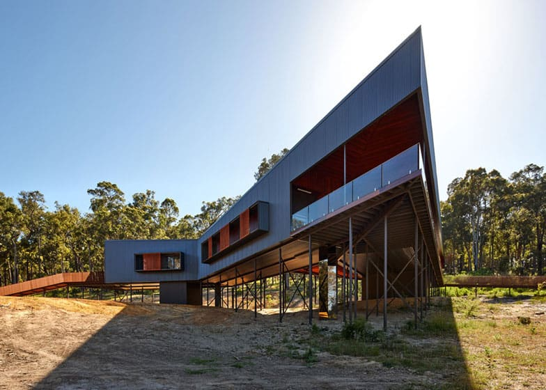 View In Gallery Sustainable House Stilts Accessed Steel Ramps 10 Terrace.