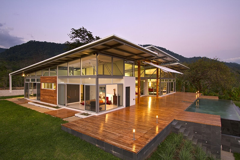 2 adjustable eaves create thermal comfort within glass house Home design and comfort