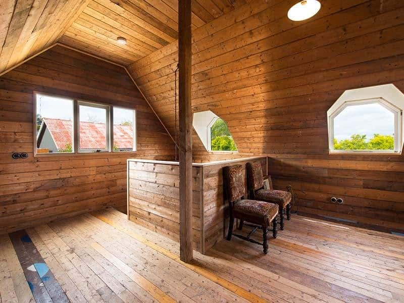 vintage country cottage with clear finished wood interiors. Black Bedroom Furniture Sets. Home Design Ideas
