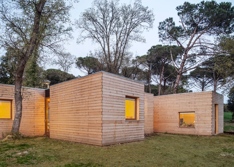 6 Prefabricated Wood Boxes Turned Into 1 Energy Efficient