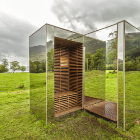 Mirrored Cabin Reflects Landscape as it Materializes In and Out of View