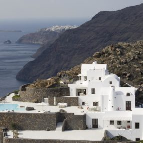 Amazing Cycladic Architecture on the Edge of the Caldera