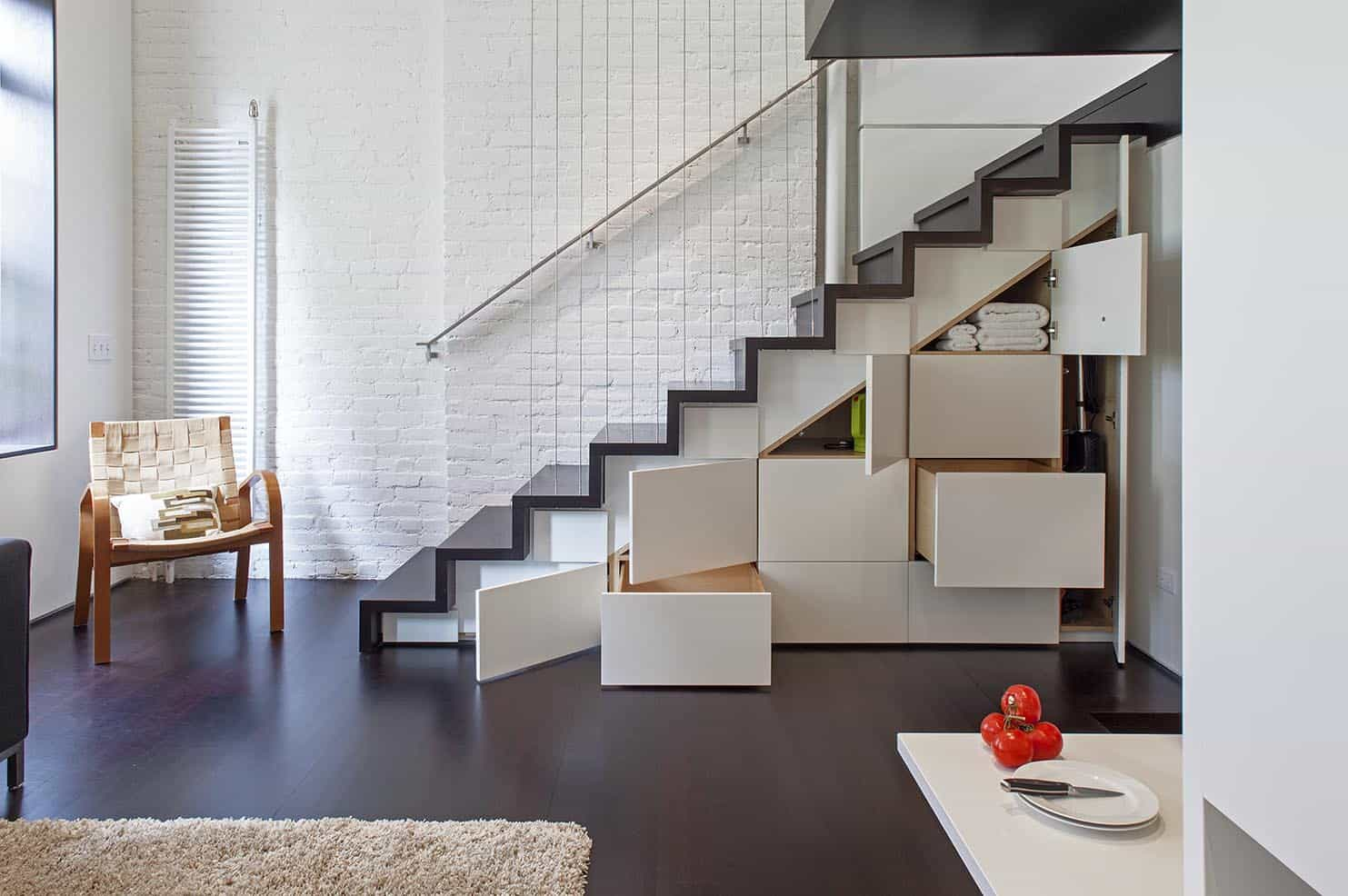 Micro Loft Maximizes 425sqft of Space in Modern Makeover