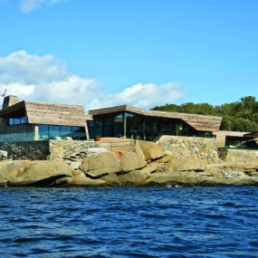 Oceanfront Home Incorporates Boulders in Design