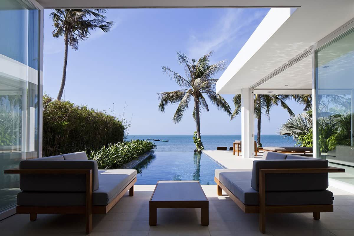 Oceanique Villas: Infinity Pools and Sandy Beaches