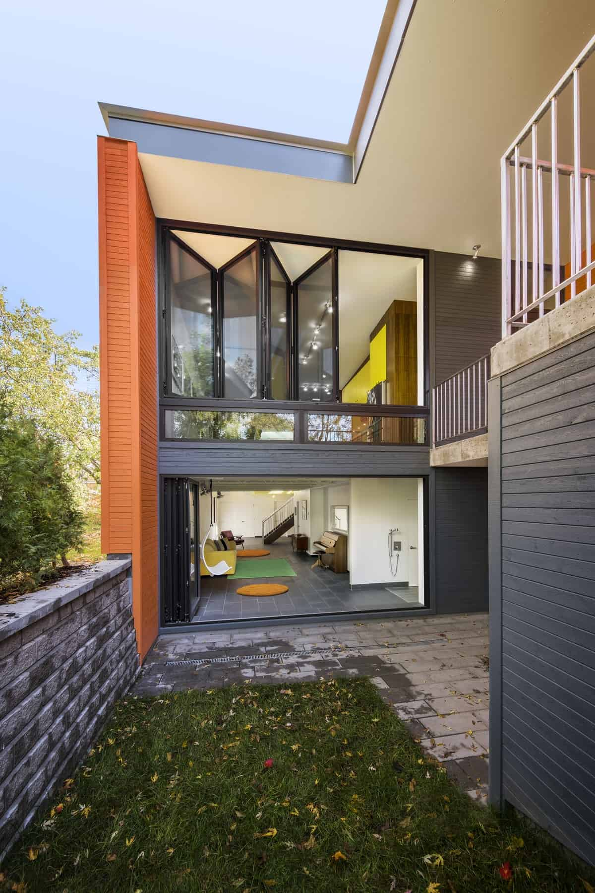 skinny house on narrow lot maximizes space and daylight