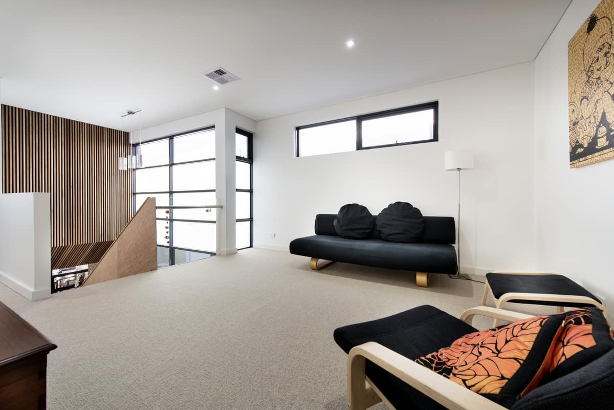 View In Gallery House Decorated Brick Veneer Inside Out 8