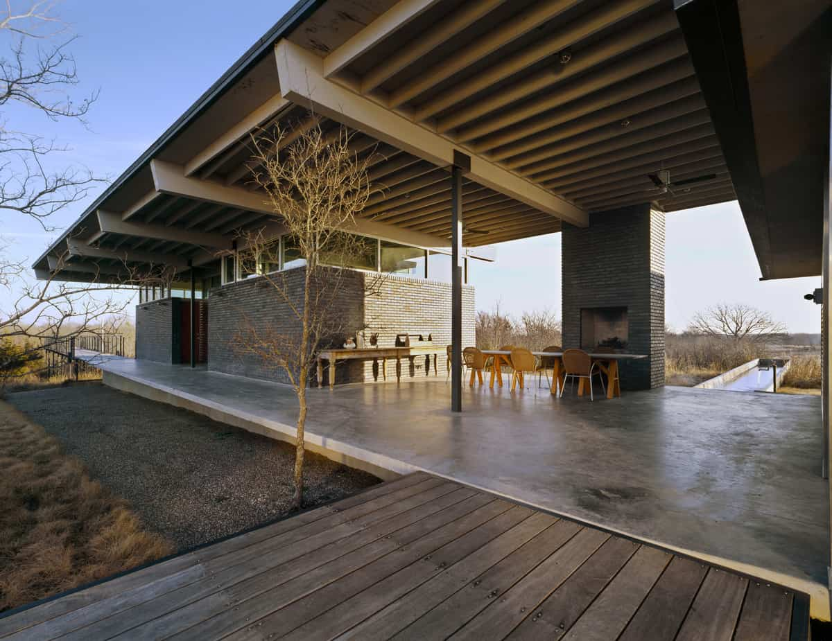 Unusual vacation home for avid bird watchers for Contemporary post and beam house plans