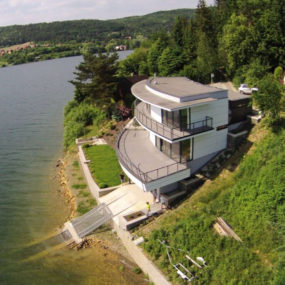 This House with Observation Deck is a Dream for Lake Lovers