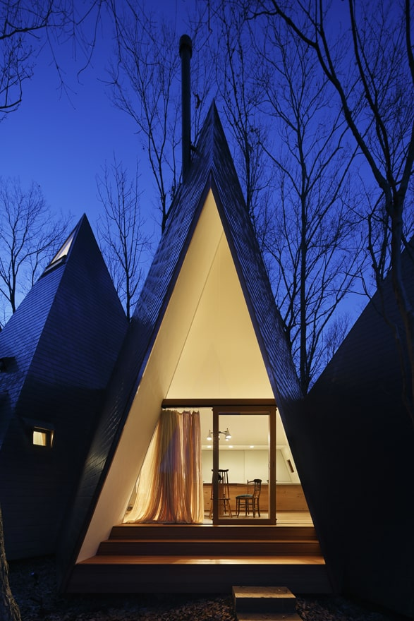 timber-vacation-house-shaped-as-tepee-9.jpg