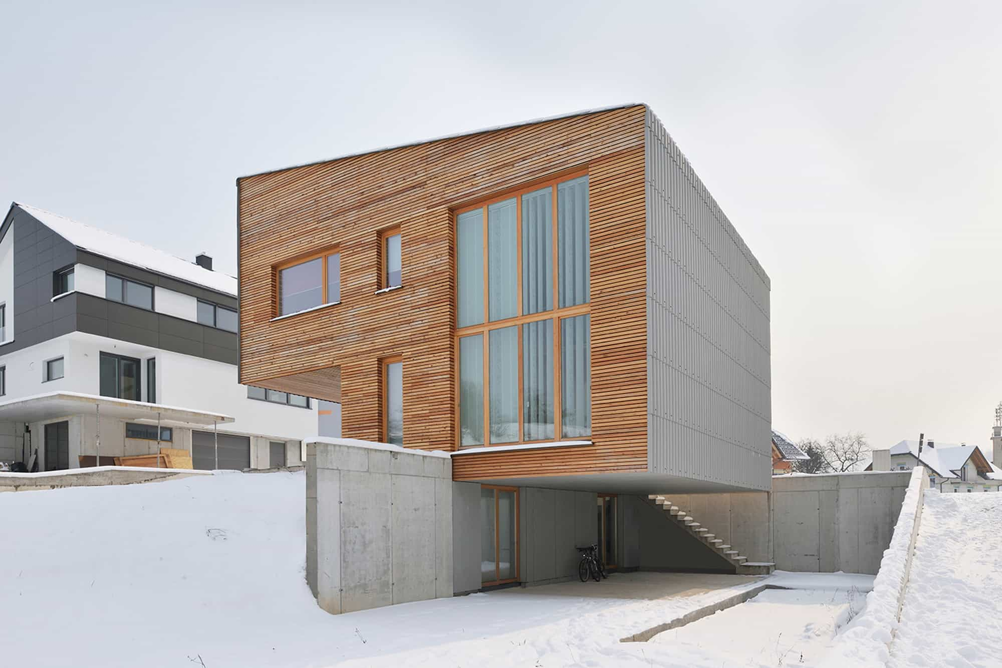 small wood homes for compact living 22b