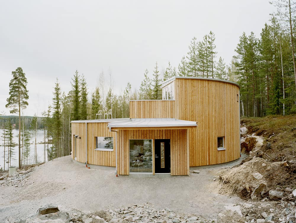 5 geometric house designs with super sophisticated wood for Scandinavian farmhouse plans